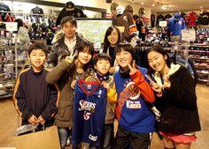【大阪店】   2013年1月3日     NBA商品をご購入頂いた小山様ファミリーです!