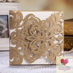 Faire-part mariage romantique et sa pochette - thème romantique, chic et féérique de couleur dorée en dentelle papier- plusieurs couleurs et style personnalisable disponible sur le site www.jecreemonfairepart.fr