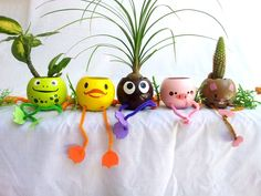 macetas de ensueño Kids Crafts, Summer Crafts, Diy And Crafts, Craft Projects, Flower Pot Crafts, Clay Pot Crafts, Flower Pots, Plastic Bottle Crafts, Plastic Bottles