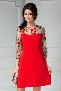 Elegant Dresses, Cute Dresses, Beautiful Dresses, Red Fashion, Look Fashion, Fashion Outfits, Dress Neck Designs, Blouse Designs, Short Gowns