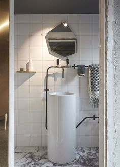 Melbourne Studio Apartment by Edwards Moore Architecture Practice
