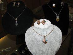 Joyería SWAROVSKI y de cristales autriacos desde ¢19.000 — en Paseo de las Flores.