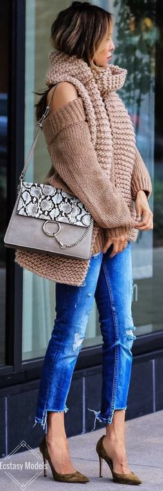 Cozy Fall Outfit // Fashion Look by Sasha Simon