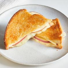 Parm-Crusted Grilled Cheese Soup And Sandwich, Sandwich Recipes, Vegetarian Recipes, Cooking Recipes, Epicurious Recipes, Grilled Cheese Recipes, Grilled Cheeses, Baked Sandwiches, Apples And Cheese