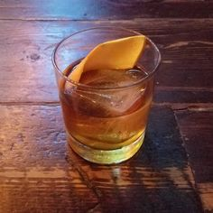 Starting the New Year off at my fav #Queens spot! Cheers to 2018!  . .  Queens N.Y. @fhstationhouse . . .  #whiskey #newyears #oldfashioned #rye #cocktail #bartender #thirsty #nycbars
