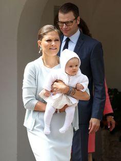 Allein die Vorstellung, dass ihrer süßen Tochter Böses angetan werden könnte, raubt ihr den Atem.Victoria (35) von Schweden ist eine
