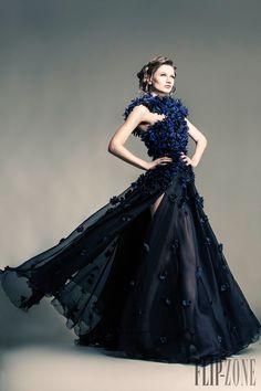 Jean Louis Sabaji Printemps-été 2013 - Haute couture - http://fr.flip-zone.com/fashion/couture-1/independant-designers/jean-louis-sabaji-4080