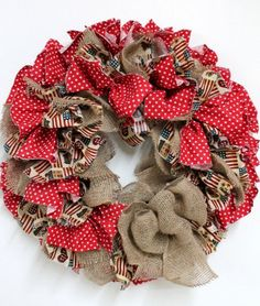 DIY Christmas rag wreath ideas easy cheap christmas decoration natural materials fabric burlap