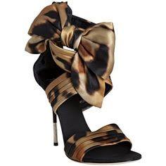 Animal print sandals...pretty