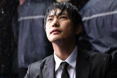 Park Shi Hoo http://opionator.files.wordpress.com/2013/04/confession-of-murder-park-shi-hoo.jpg
