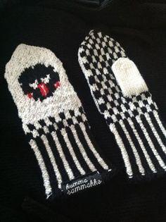 Lakupekka tumput Fingerless Mittens, Knit Mittens, Knitting Socks, Knitting For Charity, Knit Art, Socks And Heels, Mittens Pattern, Wrist Warmers, Hobbies And Crafts