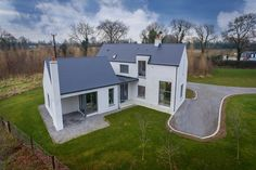 mckenna + associates – Contemporary House Design – Registered Architects & Chartered Building S Farmhouse Renovation, Modern Farmhouse Exterior, Bungalow Haus Design, Bungalow Ideas, House Designs Ireland, 2 Storey House Design, Modern Barn House, Rural House, Cottage Plan