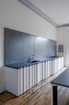 Spanish Home Interior Gallery of Townhouse / Jake Moulson Architects - 34 Modern Kitchen Cabinets, Modern Kitchen Design, Kitchen Flooring, Kitchen Interior, Diy Kitchen, Kitchen Ideas, Kitchen Designs, Kitchen Hacks, Kitchen Decor