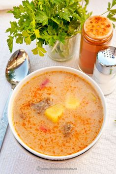 Jacque Pepin, Romanian Food, Soul Food, Cocktail Recipes, Cheeseburger Chowder, New Recipes, Carne, Stew, Food To Make