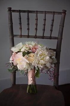 {photo by: Meg Runion Studios} #weddings #bouquets