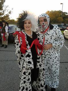Cool Cruella/Dalmatian costumes  sc 1 st  Pinterest & 02 Cruella de Vil and her Terrified Dalmatian - Styleoholic ...