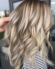Hair Color : Balayage Ash Brown with Bleach Blonde Color. Other Color C., Summer Hairstyles, Hair Color : Balayage Ash Brown with Bleach Blonde Color. Other Color Could be Customized. It is best to start at the ends of your hair. Cool Blonde Hair, Bleach Blonde, Brown Blonde Hair, Blonde Honey, Blonde Brunette, Curly Blonde, Blonde Hair With Brown Highlights, Highlighted Blonde Hair, Blonde Hair Colors