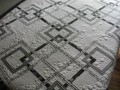 Betsy's mystery quilt - Janet Murdock. Love the quilting.