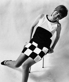 Love ! Cilla Black and her checkerboard dress