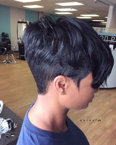 New Bob Haircuts 2019 & Bob Hairstyles 25 Bob Hair Trends for Women - Hairstyles Trends Black Women Short Hairstyles, Cute Hairstyles For Short Hair, Bob Hairstyles, Straight Hairstyles, Curly Hair Styles, Natural Hair Styles, Short Sassy Hair, Short Hair Cuts, Short Pixie