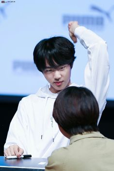 *☆°~Maybe I can't touch the sky~°☆* Seokjin, Jimin, Bts Jin, Jin Dad Jokes, Stage, Pink Princess, Worldwide Handsome, Editing Pictures, Jung Hoseok