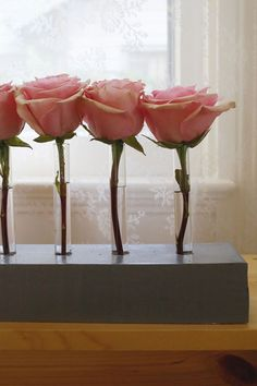 Bunches of roses are always beautiful, but this more spare arrangement is perfectly unexpected.