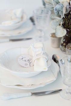 Home sweet Home - Winterhochzeit mit wohnlichem Weihnachtszauber ELENA ENGELS http://www.hochzeitswahn.de/inspirationsideen/home-sweet-home-winterhochzeit-mit-wohnlichem-weihnachtszauber/ #wedding #mariage #winterwedding
