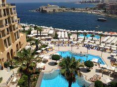 Corinthia Hotel St George's Bay in San Ġiljan, San Ġiljan http://corinthia.com/hotels/malta/malta_stgeorgesbay/spa-and-wellbeing/pools/