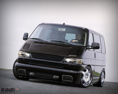 Volkswagen Caravelle photos, picture # size: Like its predecessor, the all-new Transporter-based Caravelle features a short-bonnet nose that houses an engine and front wheel drive transaxle Volkswagen Bus, Vw Camper, Vw T4 Tuning, Caravelle T4, Volkswagen Transporter T4, Combi Wv, Hot Vw, Vanz, Cool Vans