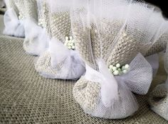 Burlap Wedding Favors 50 Seed Bombs Shower by RenaissanceBotanical Burlap Wedding Favors, Wedding Gifts For Guests, Wedding Favor Bags, Wedding Candy, Diy Wedding, Rustic Wedding, Wedding Decorations, Burlap Weddings, Camo Wedding