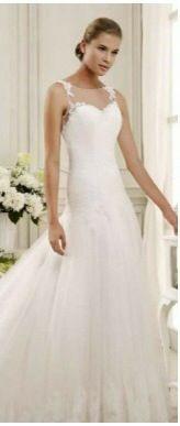 Un abito Nicole per rendere indimenticabile il tuo giorno più bello...vi aspettiamo per scegliere quello dei tuoi sogni....e non perdete l'abito dei sogni si Real tv domenica 16......l'opportunità di vederlo in TV  www.tosettisposa.it #wedding #weddingdress #tosetti #tosettisposa #nozze #bride #alessandrotosetti #carlopignatelli #domoadami #nicole #pronovias #alessandrarinaudo # زواج #брак #فساتين زفاف #Свадебное платье #حفل زفاف في إيطاليا #Свадьба в Италии