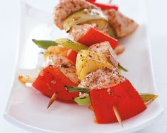 Fruity Chicken Skewers by Precision Nutrition gourmet-nutrition-recipes Skinny Recipes, Diet Recipes, Cooking Recipes, Healthy Recipes, Simple Recipes, Feta Cheese Nutrition, Nutrition Bars, Spaghetti Squash Nutrition Info, Clean Eating