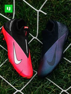 A closer look at the details of the new Nike PhantomVSN 2 - Future Lab 🆚 Kinetic Black 🔍 Latest Football Boots, Messi Football Boots, Predator Football Boots, Cheap Football Boots, Adidas Football, Football Shoes, Nike Soccer, Football Cleats, Nike Football