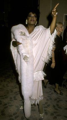 Leonardo DiCaprio, 1994 aus Stars 'First Golden Globes – Pantiess Oprah Winfrey, Crazy Dresses, Crazy Outfits, Golden Globe Award, Golden Globes, Leonardo Dicaprio, Mississippi, Beverly Hills, Big Fashion