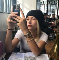 View Kendall jenner clothes, Jenners y Famous people style. Justin Hailey, Justin Bieber, Hayley Bieber, Estilo Hailey Baldwin, Hailey Baldwin Style, Gigi Hadid, Bella Hadid, Harry Styles, Haily Baldwin