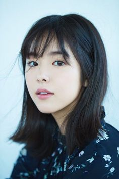 Japanese Beauty Hacks, Medium Hair Styles, Short Hair Styles, Petty Girl, Singer Fashion, Beautiful Japanese Girl, Japan Girl, Girl Face, Beauty Women