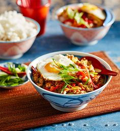 Stir-fried chicken mince: Never stir-fried with mince before? Youíll wonder why not after tucking into this Chinese-inspired creation. Add chilli for a little kick!