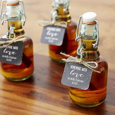 You'll love these easy DIY whiskey bottle favors featured on the Wedding Paper Divas blog!