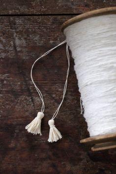 Domargård - Villa Olivia: DIY pienet tasselit ja paketointi-idea
