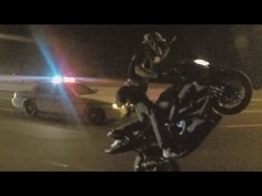 MOTORCYCLE VS COPS Street Bike WHEELIES Running From The COP Gets Away Police Chase Stunt Bike 2015