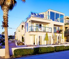 Luxury Penthouse with 3 bedrooms, 2 bathrooms and 2 garage.  http://www.teamaguilar.com/san-diego-ca-homes/3391-ocean-front-walk-d-san-diego-ca-92109-2000098285/