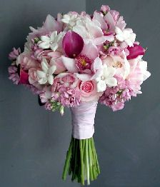 2nd contender with new dress????? Southern Blue Celebrations: Pink Wedding Boquets