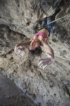 www.boulderingonline.pl Rock climbing and bouldering pictures and news Isabel Silva in Acto
