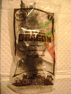 *-#7-MCDONALDS-DREAMWORKS-HOW TO TRAIN YOUR DRAGON-(NIGHT FURY)TOY*