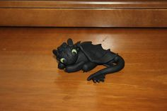 How To Build Your Dragon (Toothless ) Clay Tutorial http://stargazer96.deviantart.com/art/How-To-Build-Your-Dragon-Toothless-Tutorial-333689579