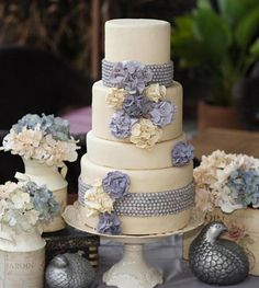 Gasp! One day....I can only hope to make a wedding cake like this!!