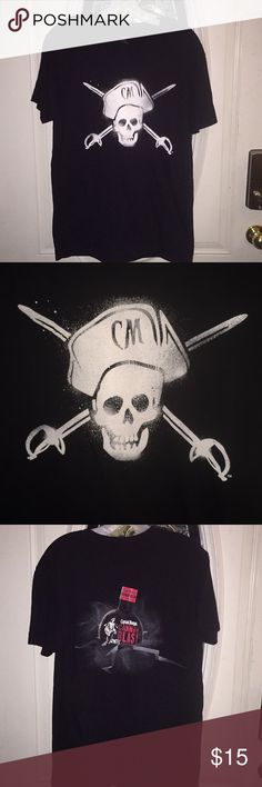 NEW MENS CAPTAIN MORGAN RUM SKULL /& CROSSBONES CHILL LIKE A CAPTAIN XL WHITE