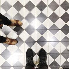 http://galatakaromozaik.com/  #ihavethisthingwithfloors  #interiors   #handmade   #styles   #mimar  #ceramics   #carrelage   #homedesign   #handmadetiles  #tile   #tilelove   #desings   #karoeurope   #floortiles   #galatakaro    #restaurant   #terrazzo   #mosaictiles   #floor   #cement     #cementtile     #elyapımı     #retro     #vintage     #vintagestyle     #karosiman     #istanbulkaro   #turkey   #pattern   #desenlikaro #patchwok