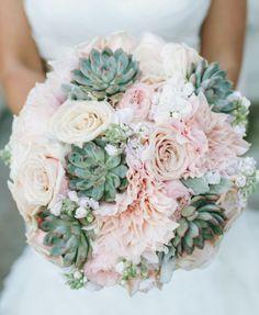 Wedding bouquet idea; Featured Photographer: Kim + Phil Photography