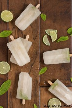 champagne popsicles Free idea champagne popsicles Your favorite summer cocktail just got a makeover! These Mojito Popsicles are full of sweet mint flavor with a hint of lime and a punch of rum! Wine Popsicles, Champagne Popsicles, Alcoholic Popsicles, Peach Popsicles, Healthy Popsicles, Homemade Popsicles, Refreshing Summer Cocktails, Popsicle Recipes, Orange Recipes